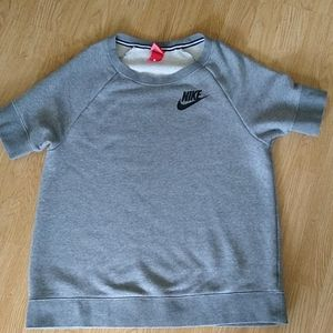 Nike short sleeve sweatshirt large